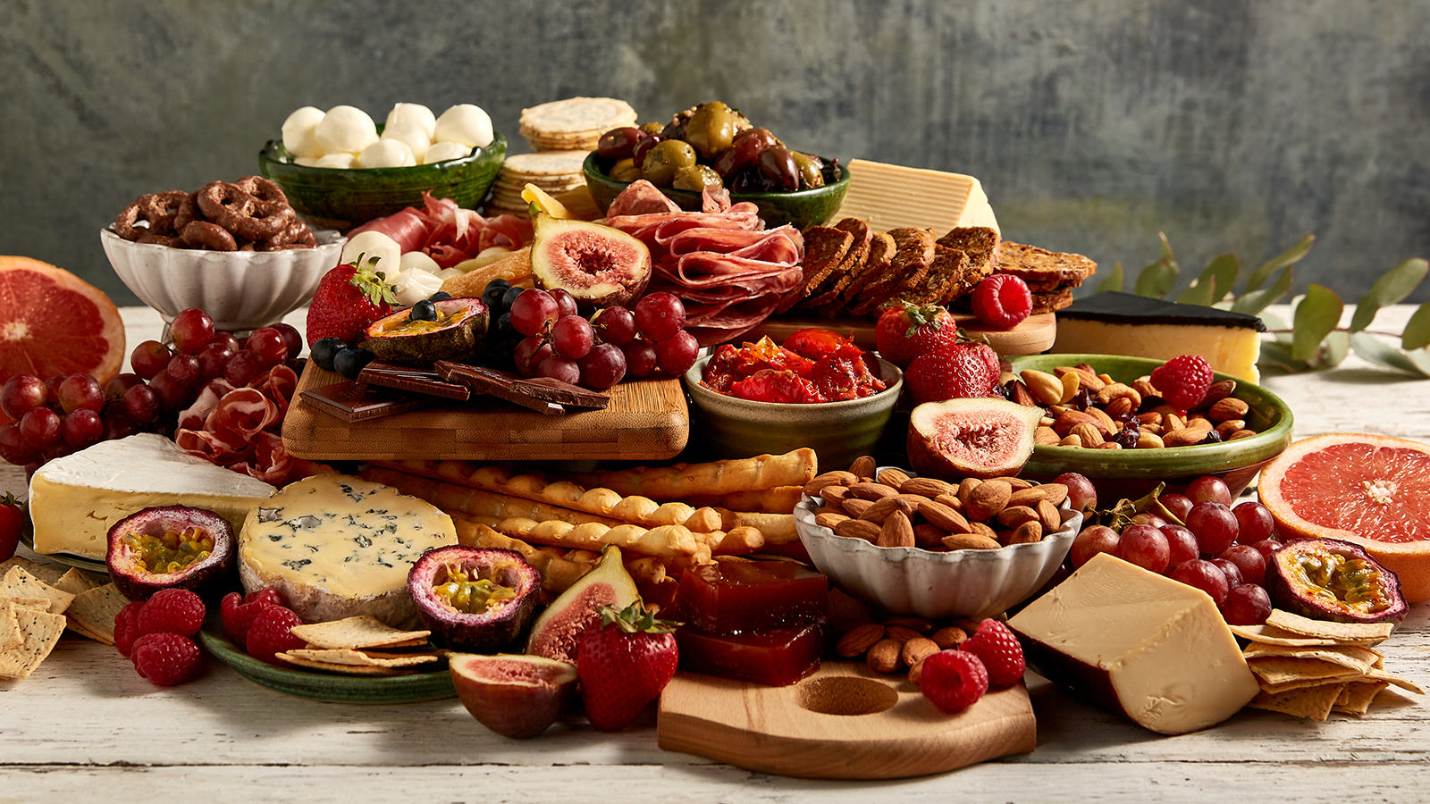 How To Make A Show Stopping Grazing Board The Neff Kitchen